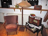 """Radio in """"Omas"""" Wohnzimmer"""