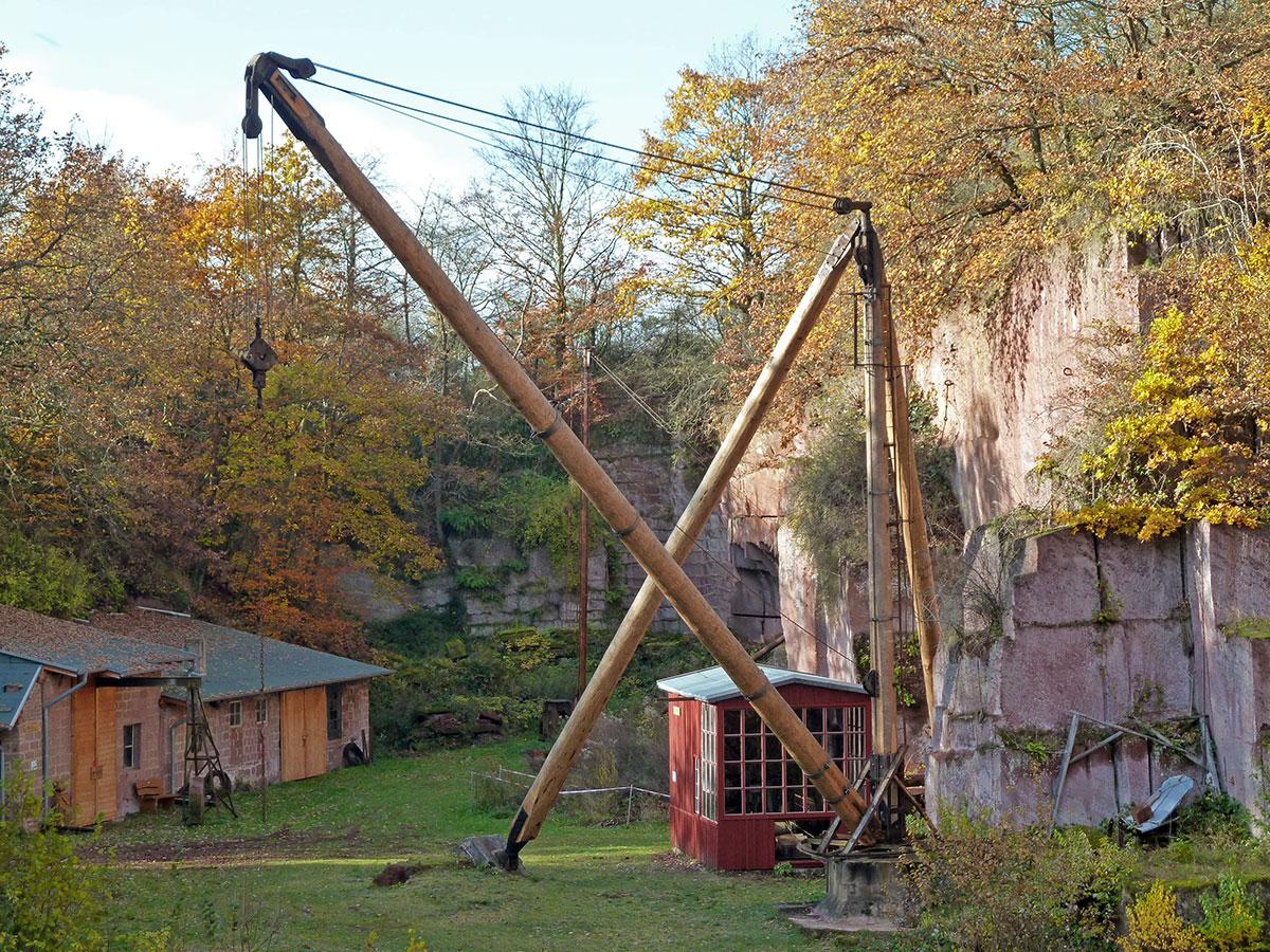 Kran des Steinbruchs Michelnau
