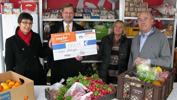 VR Bank Main-Kinzig-Büdingen übergibt Spende an Büdinger Tafel