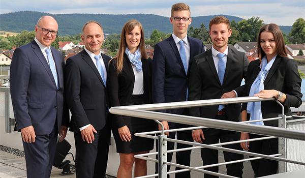 Gruppenfoto von den Auszubildenden der VR Bank Main-Kinzig-Büdingen eG