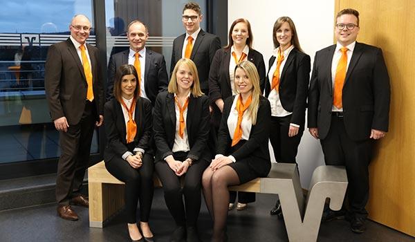 VR Bank gratuliert den stolzen Absolventinnen und Absolventen