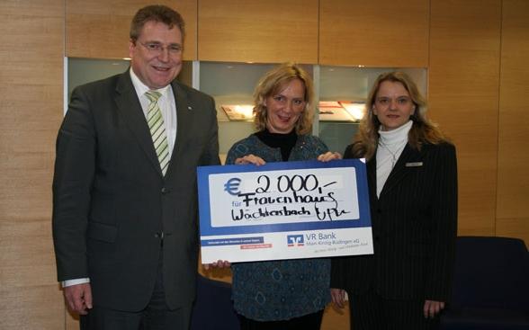 VR Bank unterstützt Frauenhaus in Wächtersbach