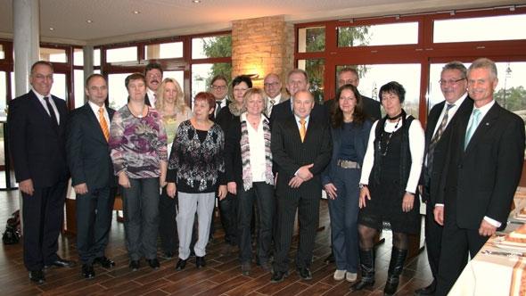 VR Bank ehrt langjaährige Mitarbeiter in Freigericht